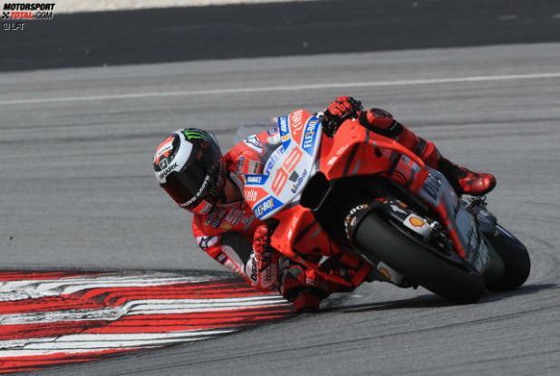 """In Sepang fuhr Jorge Lorenzo noch mit der """"alten"""" Ducati-Verkleidung, andere rüsteten auf..."""