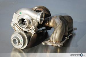 BMW 1M Turbolader liegen auf dem Boden