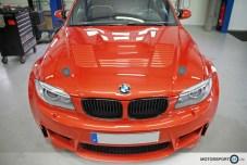 BMW-1M-Motorhaube_91