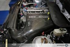 BMW M3 CSL Airbox Ansaugung durch die Nieren