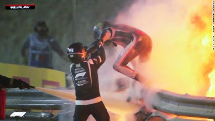 Mika Häkkinen: Grosjean on hengissä turvallisuusparannuksien ansiosta – kolme merkittävää tekijää pelasti hänet