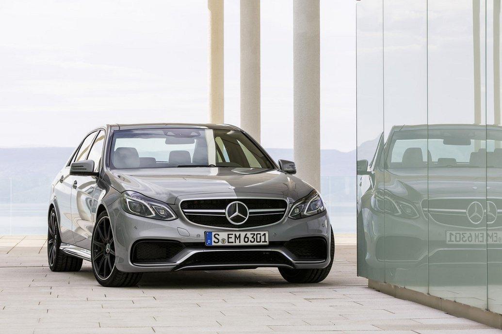 Mercedes lança esclarecimento sobre recolha de veículos.