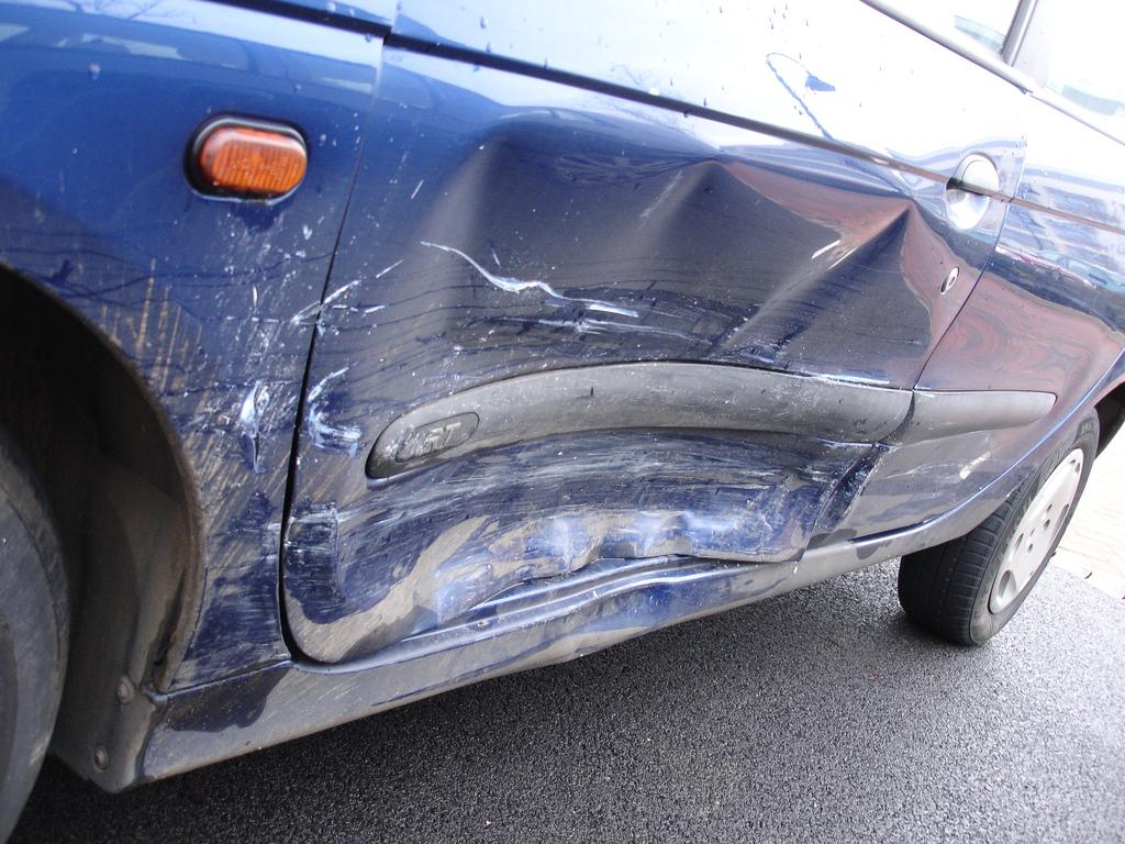 Como remover as mossas do seu carro