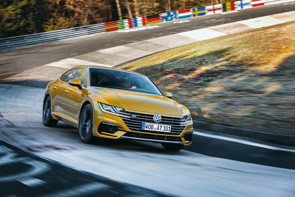 Volkswagen Arteon VR6 poderá ver a luz do dia