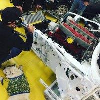Já viste como são feitos os crash-tests do carros de competição?