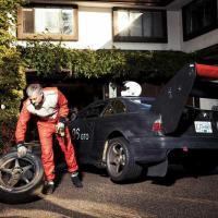O que acontece quando um professor de física constrói um carro de corridas?