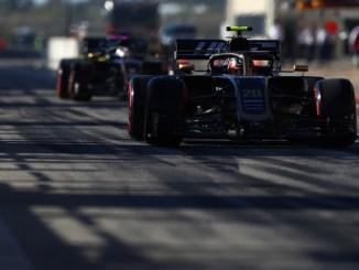 Magnussen y Grosjean saliendo de boxes en USa