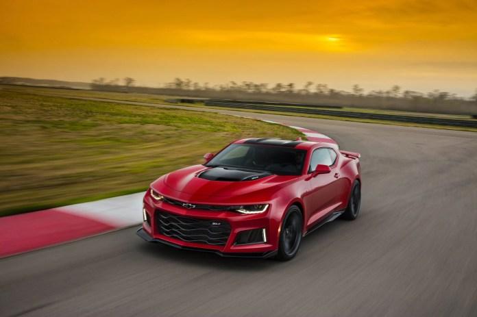 2017 Chevrolet Camaro Buyer S Guide Reviews Specs Comparisons