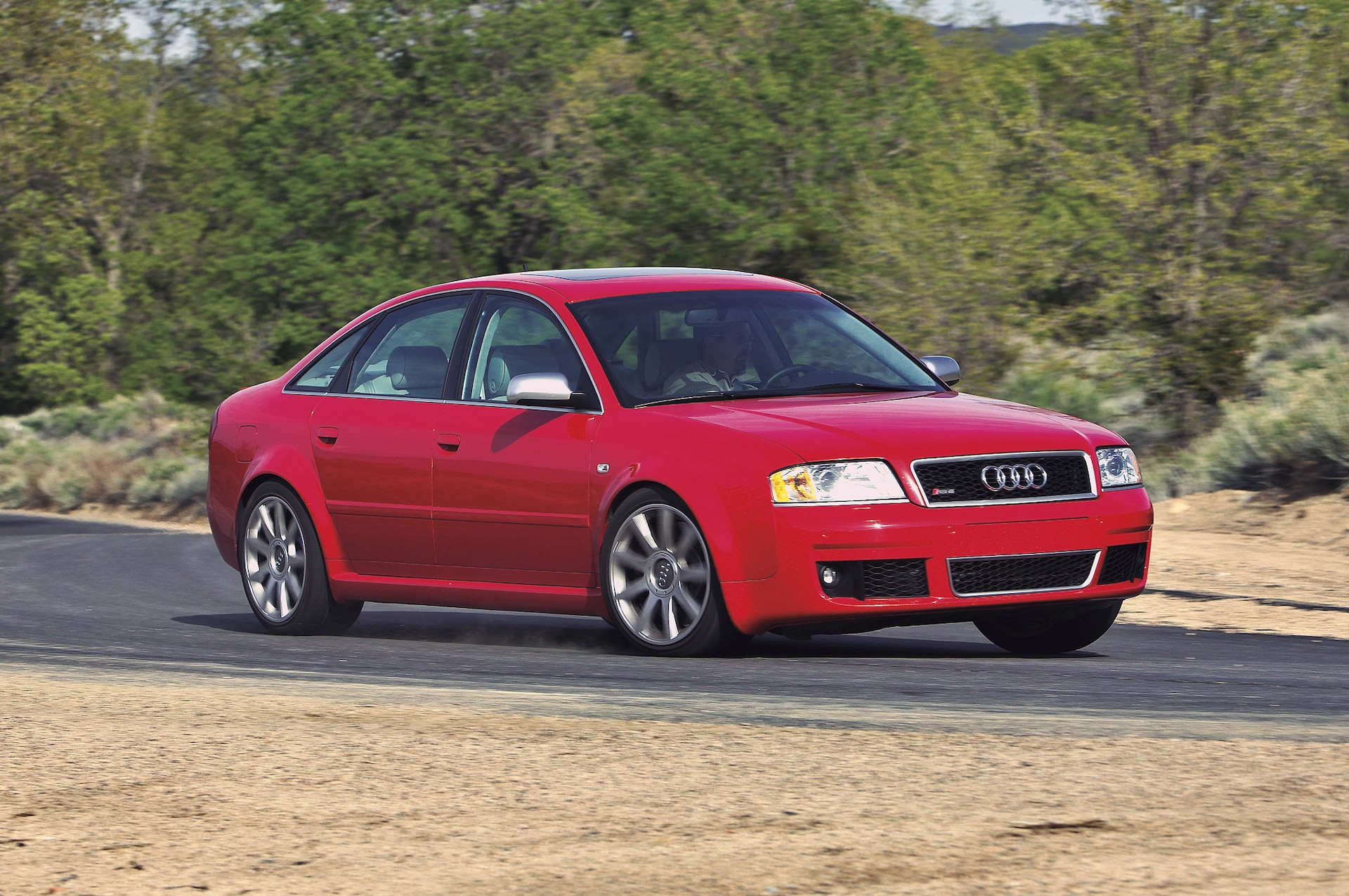 2003 Audi RS 6 front three quarter in motion