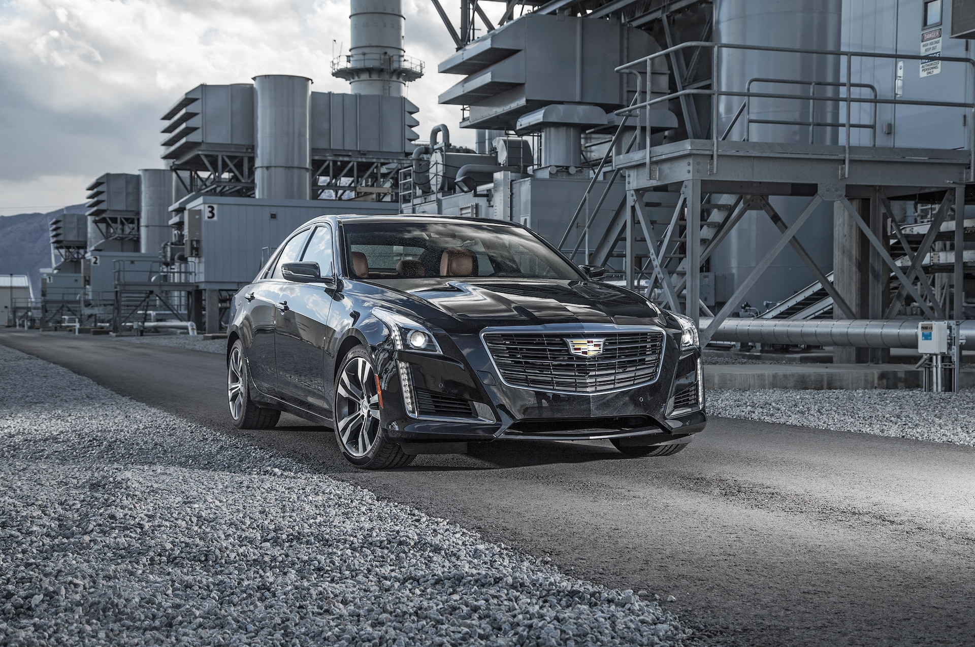 2016 Cadillac CTS V Sport front three quarter