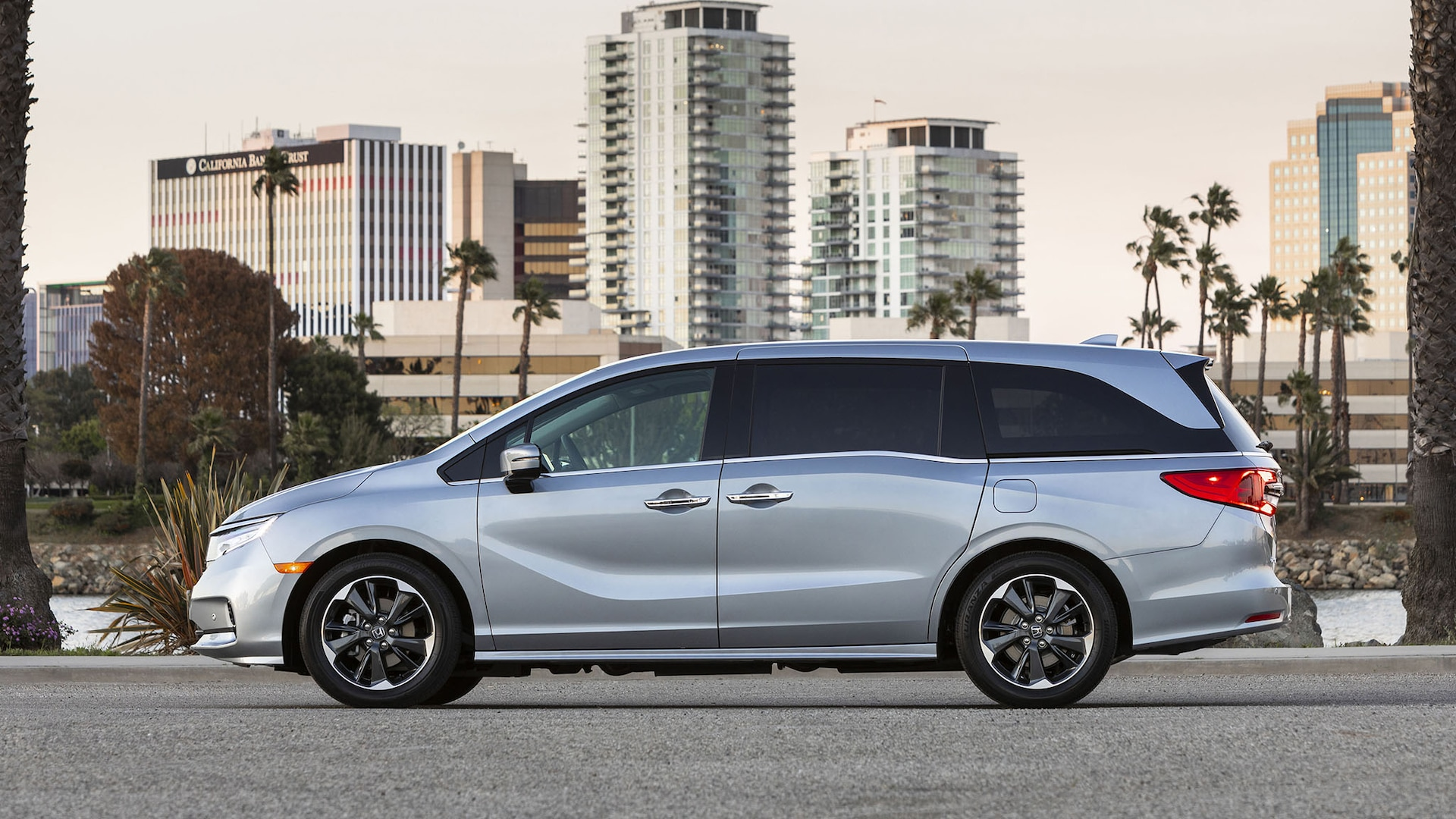 The best cars in a bad time. 2021 Honda Odyssey Buyer S Guide Reviews Specs Comparisons
