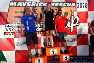 13 - Stupně vítězů slalomu třídy S1+2000 - Vítězná Kristýna Fillová - druhý Vlasimil Řehák - třetí Lukáš Marek