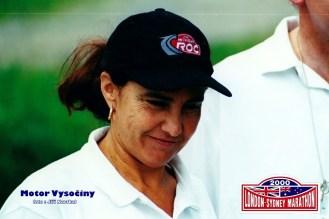 02 - Michele Moutonová z Francie před startem RZ v Tasově př iLondon-Sydney Marathon 2000