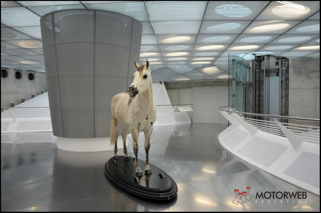 2015-09 Mercedes-Benz Museum Motorweb Argentina 013