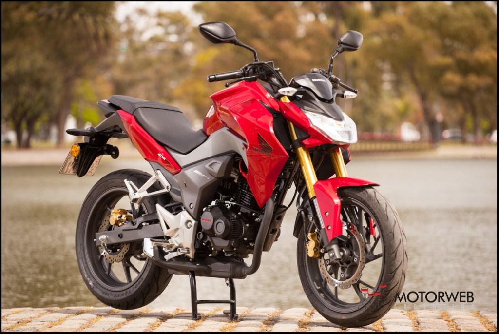 Prueba de Motos: Honda CB190R