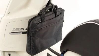 Crochet de transport pour sac sur Peugeot Django 125