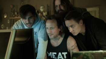 "Elyas M'Barek (""Max""), Wotan Wilke Möhring (""Stephan""), Antoine Monot, Jr. (""Paul"") und Tom Schilling (""Benjamin"") in Sony Pictures' WHO AM I - KEIN SYSTEM IST SICHER. Bild: © 2014 Sony Pictures Releasing GmbH"