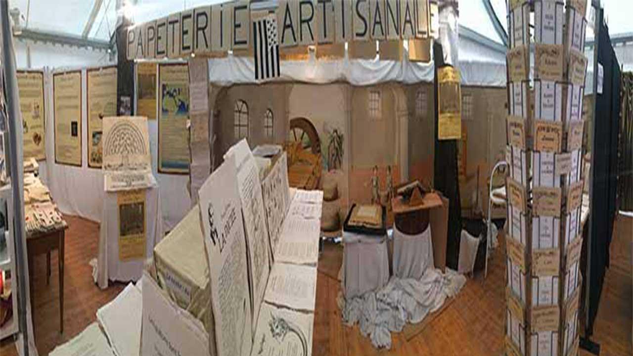 boutique moulin papier traditionnel de sainte suzanne. Black Bedroom Furniture Sets. Home Design Ideas