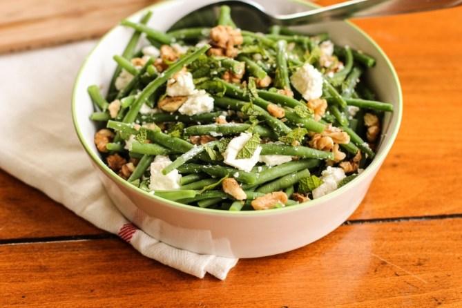 salade-de-haricots-verts-à-la-feta-menthe-et-noix-string-bean-salad-with-walnuts-feta-and-mint-1-of-1-2-1024x682