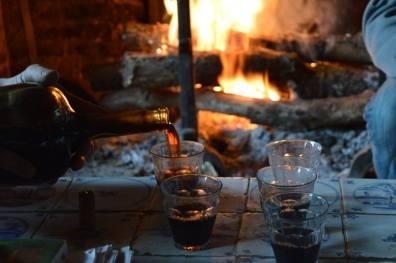 Après l'effort, le réconfort. Un p'tit vin de Noix de sous les fagots !