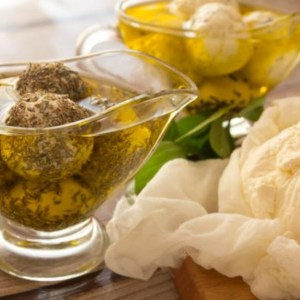 Labneh Round with black grain(habet barakeh)-0.7-kg