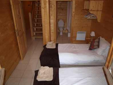 Bedroom 1 Col du Galibier & en-suite