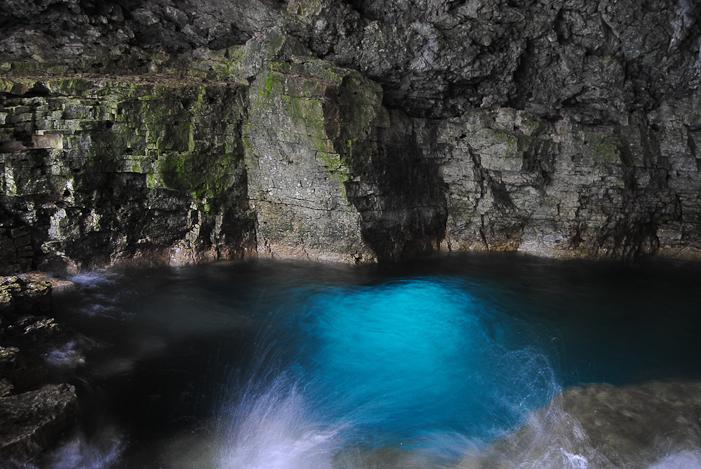 The Grotto, Bruce Peninsula National Park. Photo courtesy OntarioTravel.net