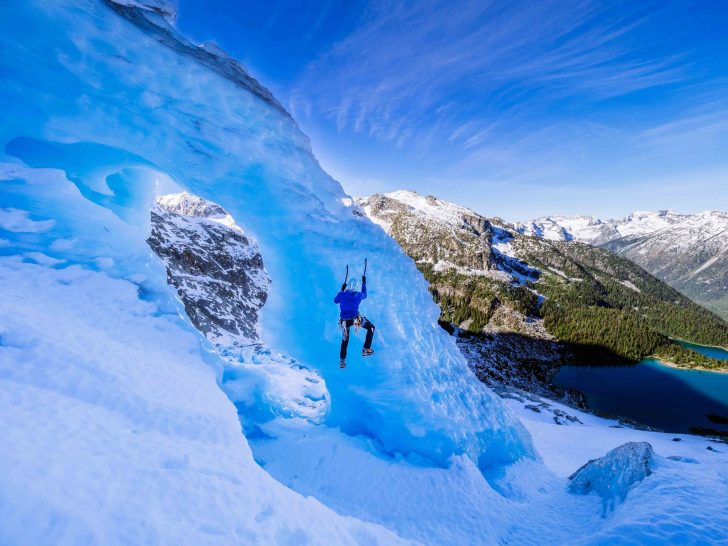 Ryan Larkin free-solo's the Great Arch of The Matier Icefall.