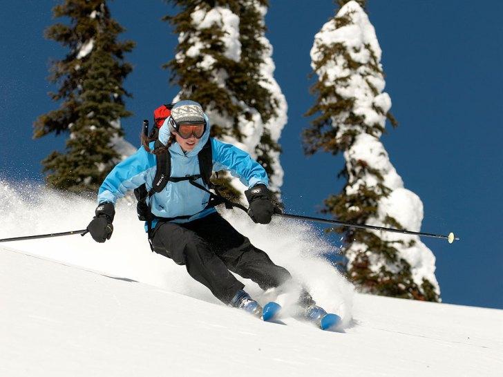 Claire Dixon skiing