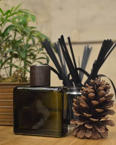 Custom scent oil diffuser