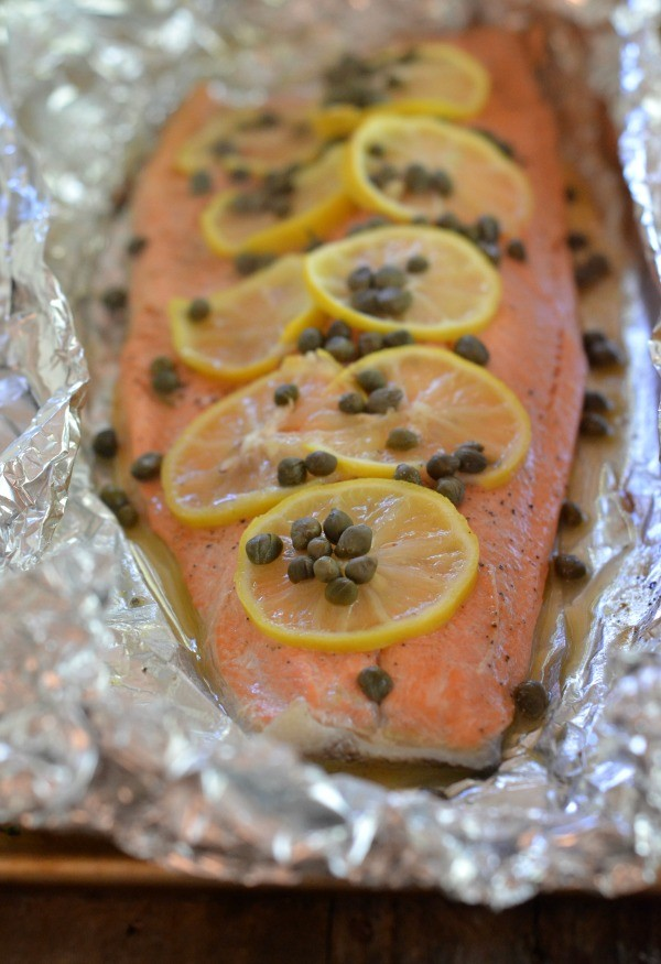 How to grill salmon tin foil howsto grilled foil salmon with lemon capers and white wine mountain ccuart Gallery