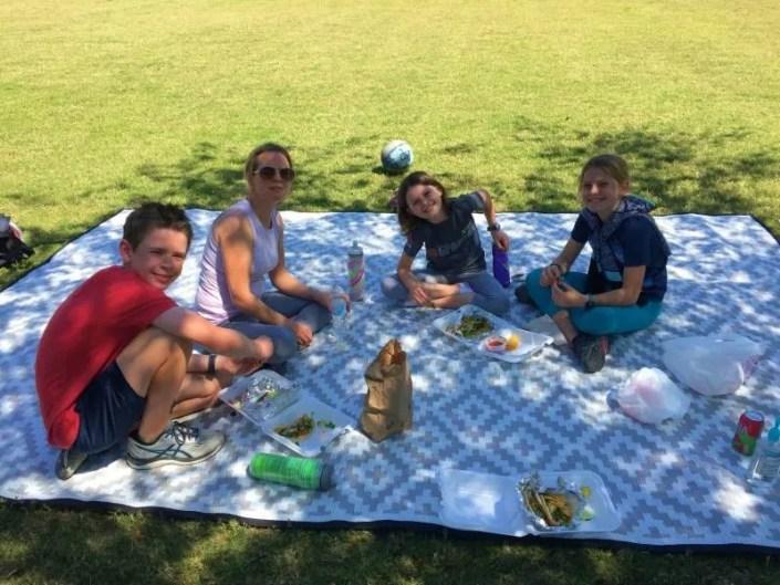 Mountain Mat waterproof picnic mat family