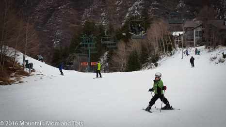 Teach kids to ski: Big E skis under the lift