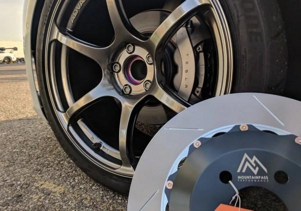 stock brakes behind advan wheels compared to mpp 365mm big brake kit