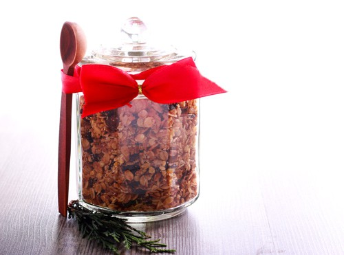 Easy Holiday Granola