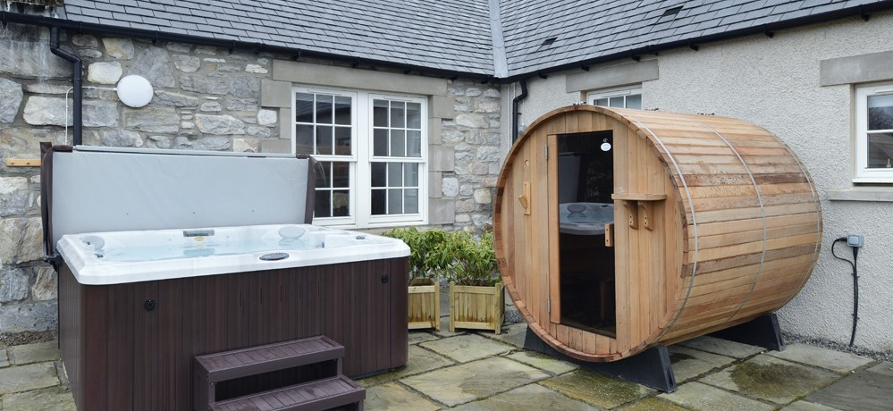 Mountain View Lodge Insh Sleeps 10 Hot Tub Sauna Pool