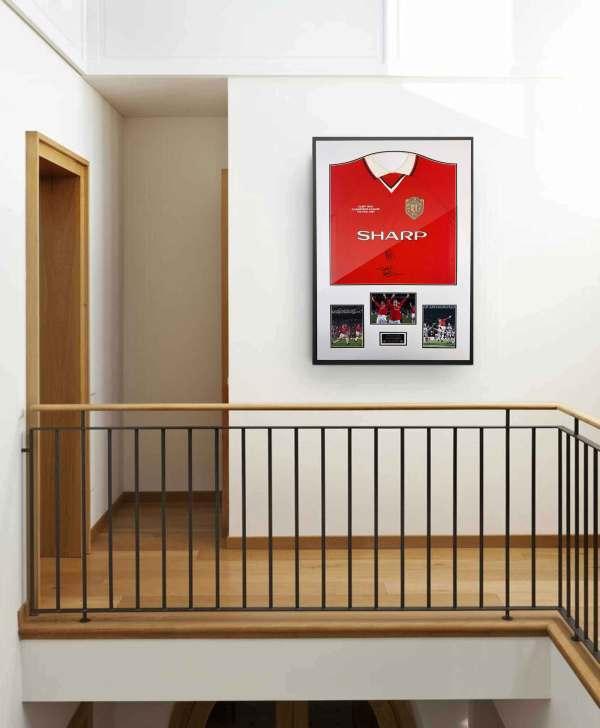 authentically signed ole solskjaer-sheringham 1999 shirt wall