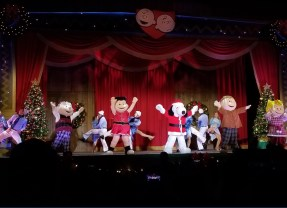 PICTORIAL: It's the most berryful time of the year for KNOTT'S MERRY FARM 2017 holiday season