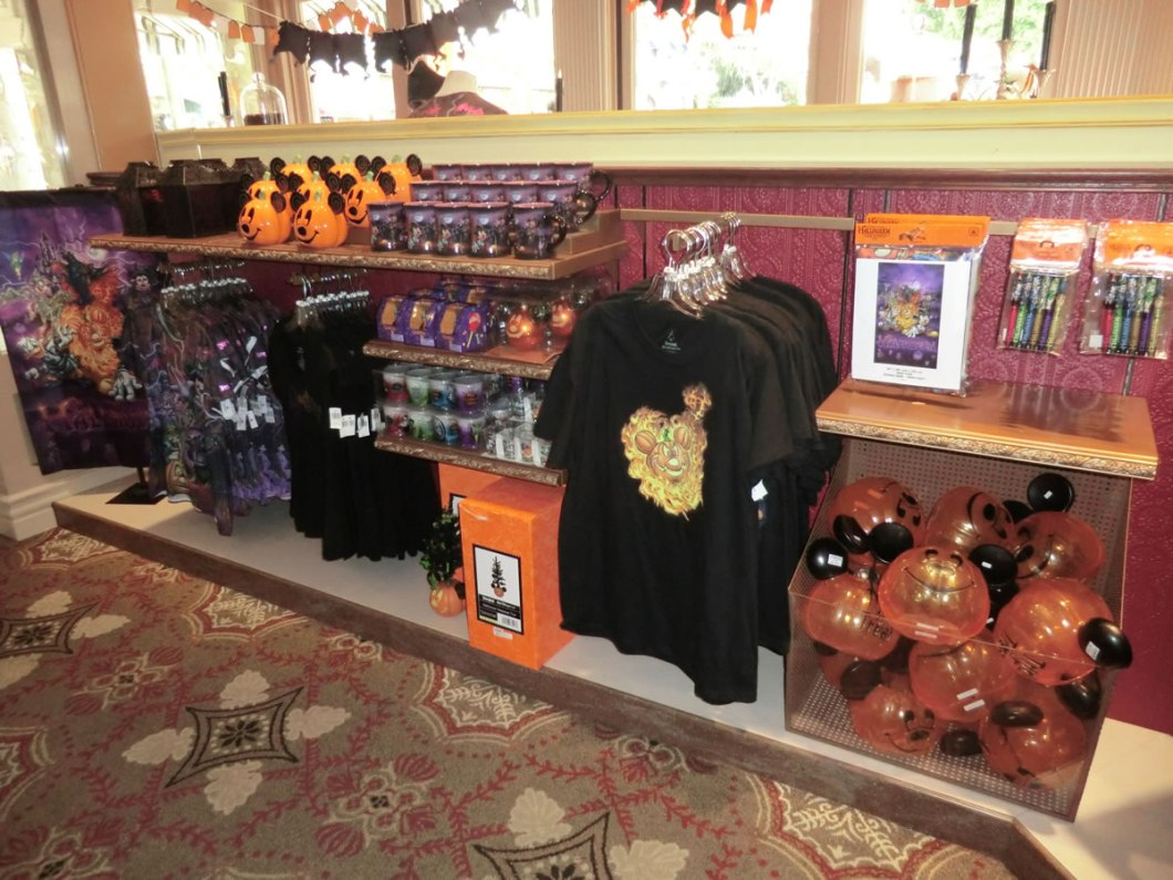 mouseplanet disneyland resort update by adrienne vincent phoenix 2017 halloween merchandise