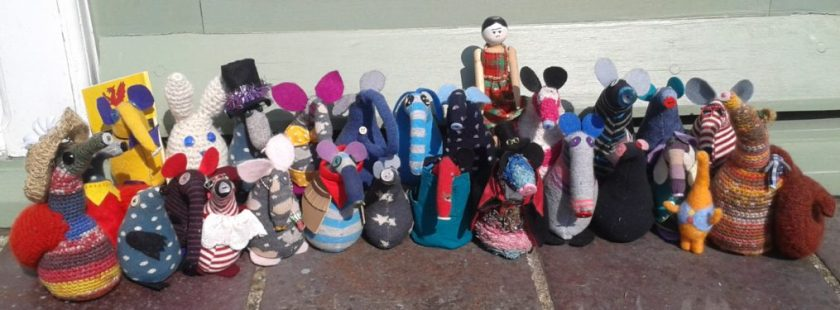 28 Mousevaarks lined up in the sun.