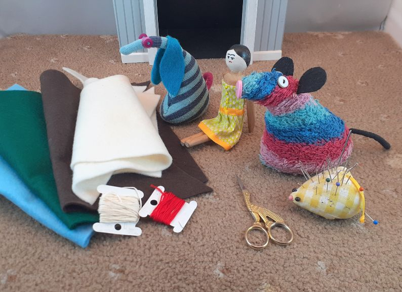Ratvaark, Peggy and Ofelia have all the items gathered together
