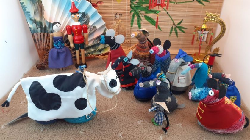 The vaarks look at a pantomime cow, we can see Arnold and Ernests bottoms sticking out below the costume.