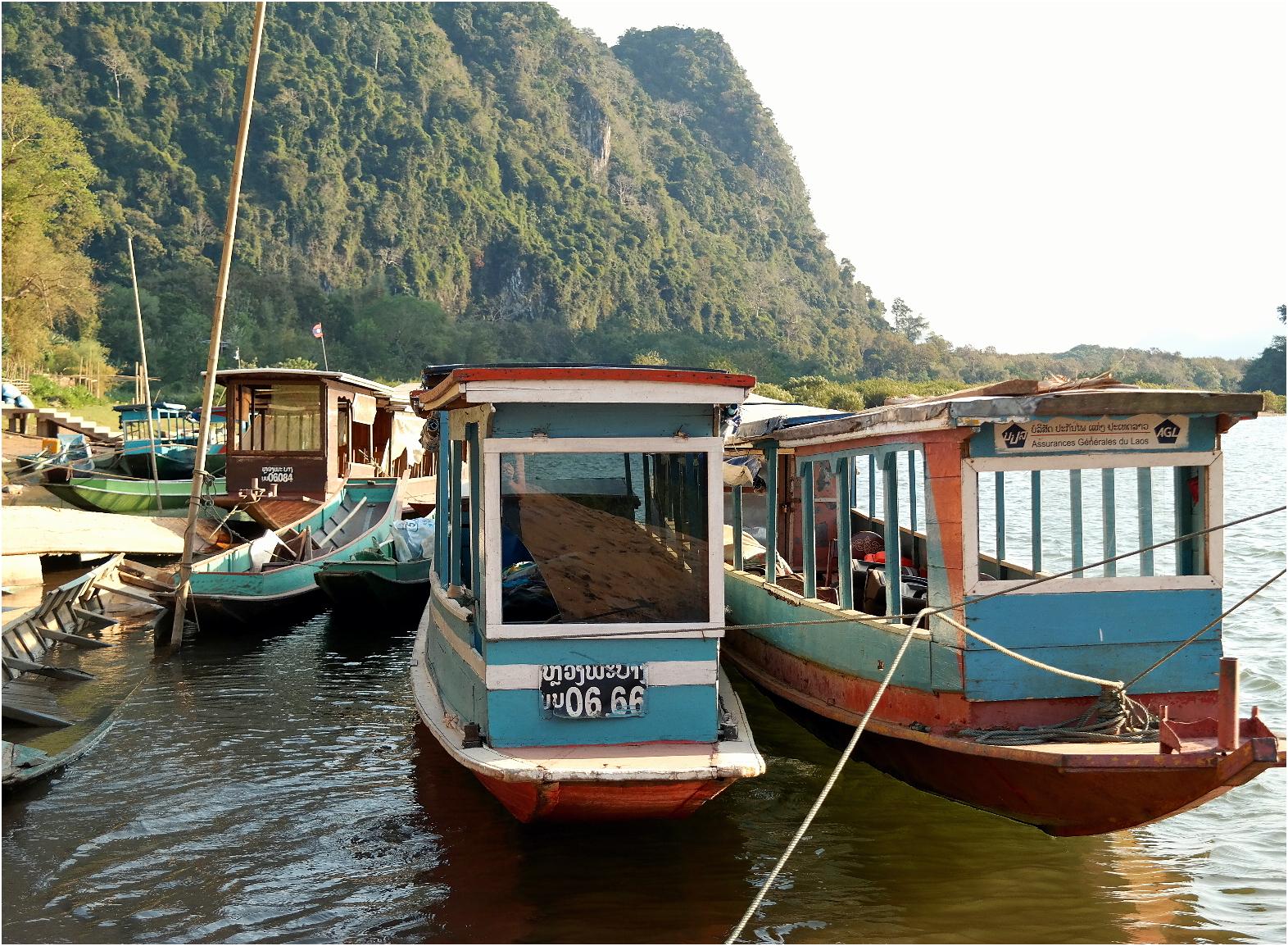 Laos Muang Ngoi, traditional boat