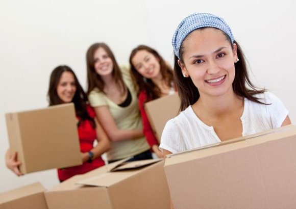girls-packing-and-moving-to-the-bay-area