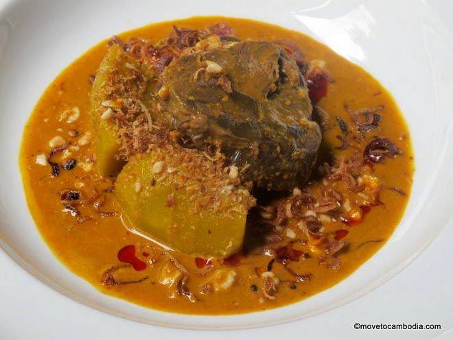 Cuisine Wat Damnak beef saramen curry