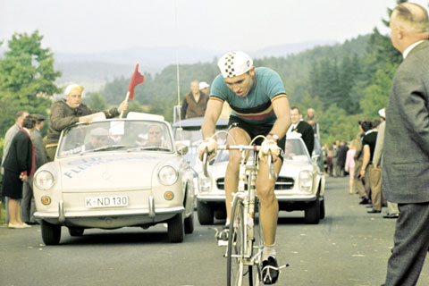 I don't want to imply the long breakaway can't work – it can and it does. Eddy Merckx was a big fan of epic breakaways and he won a few races.