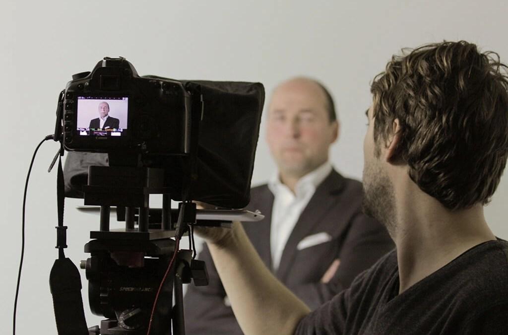 Zou ik een video zelf maken of uitbesteden aan een video productiehuis?