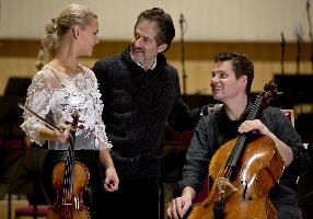 Mari and Hakon Samuelsen with James Horner