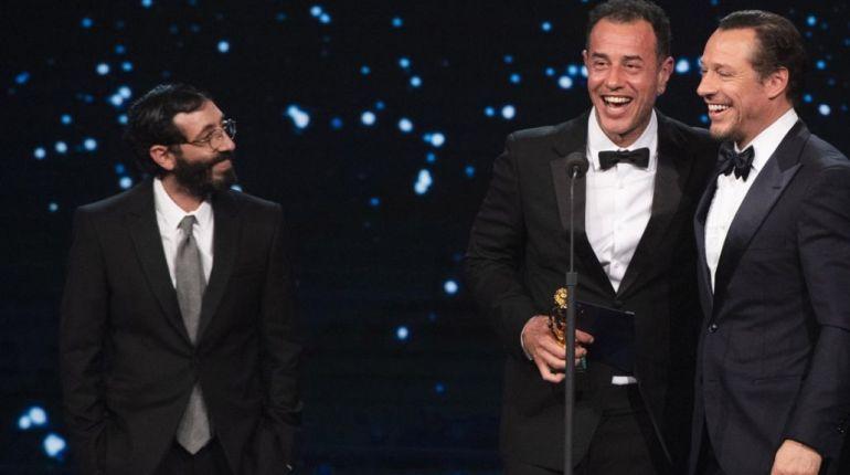 Matteo Garrone e Marcello Fone ritirano il David di Donatello 2019 per il miglior film da Stefano Accorsi