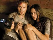 Michael Stahl-David en Odette Yustman in Cloverfield